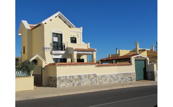 Beautiful villa in Villamartin Rioja with sea views