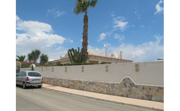 Large villa with swimming pool and views to lake
