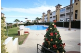 DP1143, Fantastic ground floor apartment overlooking the communal pool.