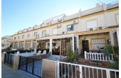 1147D, Fantastic townhouse with communal pool.