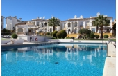 DP1104, Fantastic apartment overlooking the communal pool.