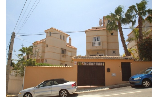 Fantastic detached villa with room for a private pool.