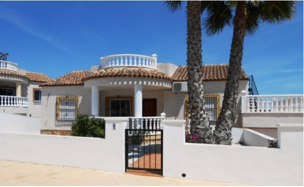 Detached villa with private solarium.