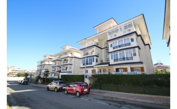 Penthouse apartment in La Mata with lift and garage.