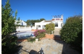 1439D, Fantastic villa all on one level with private pool.