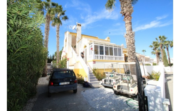 Fantastic villa in Villamartin with private pool.