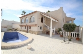 1140, Detached villa with private pool.