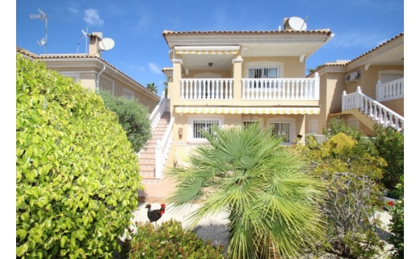 Fantastic villa with self contained apartment.
