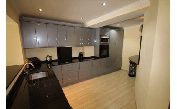 140 sqm townhouse fully refurbished.