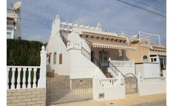 Fantastic detached villa all on one level.