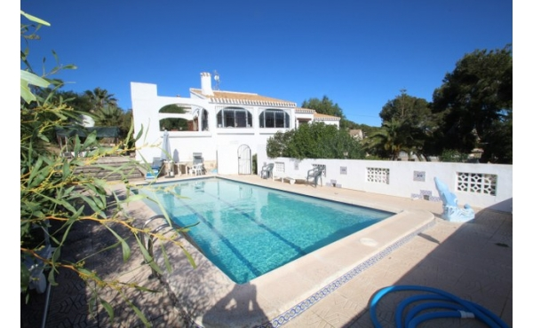 Fantastic Spanish style villa with private pool.