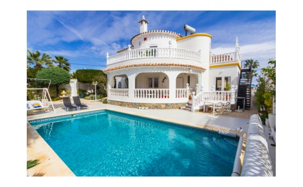 Imposing detached villa with private pool