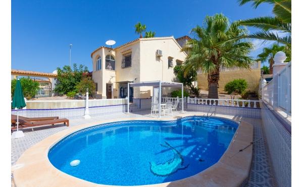 Villa with prvate pool at El Presidente, Villamartin
