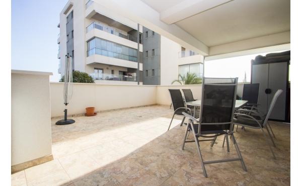 Modern ground floor apartment in Los Dolses