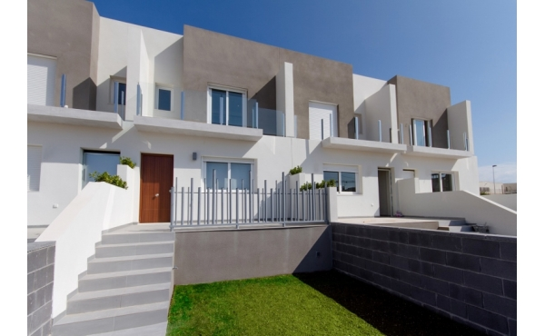 New Townhouse in Aguas Nuevas
