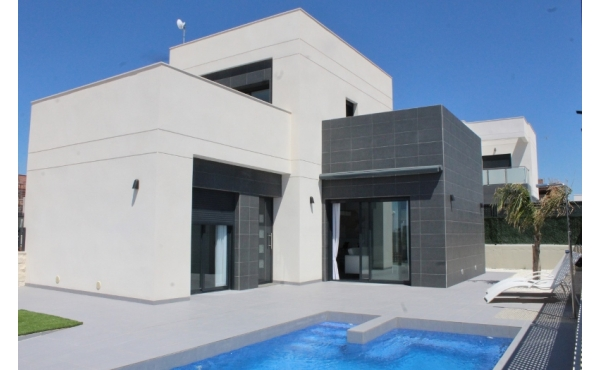 Brand new villa with private pool in Rojales