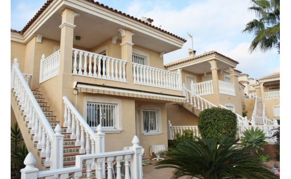 Large villa in Monte Golf
