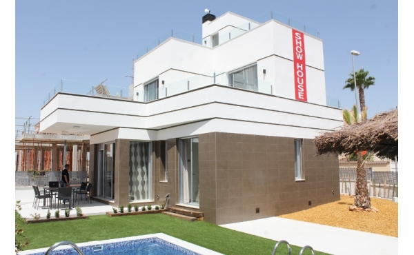 New build modern villa in Rojales with private pool