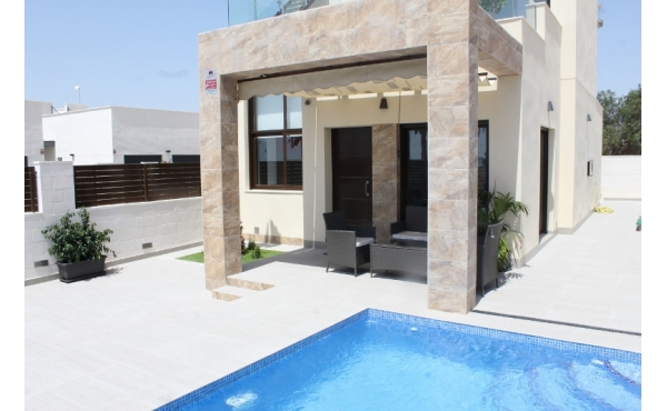 New build villa in Rojales with private pool