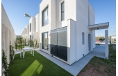 N032, Modern villa in Punta Prima, perfect location