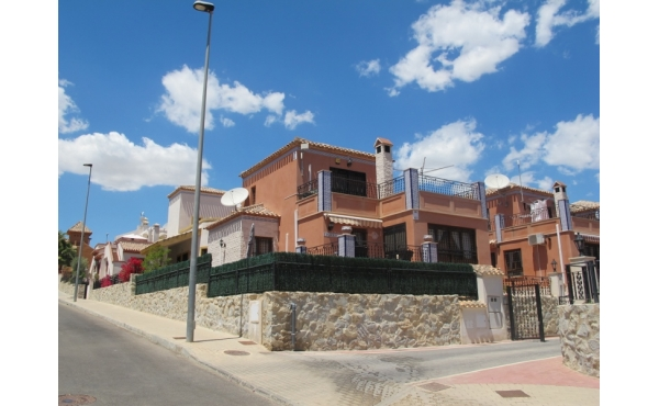 Villa in La Cañada for sale